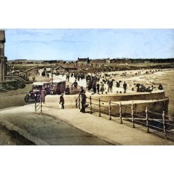 Seaburn Prom 1920s - Colourised